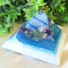 Orgonite piramidess small